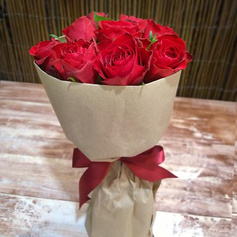 Букет-комплимент из 9 роз (цвета в ассортименте)