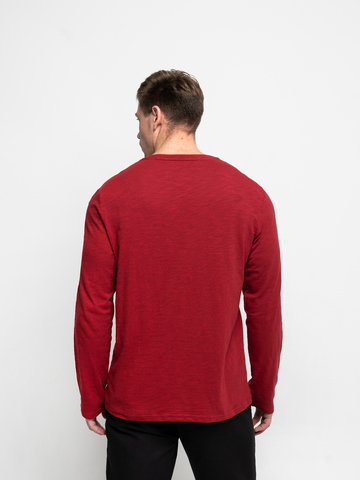 Long-sleeved V-neck red t-shirt