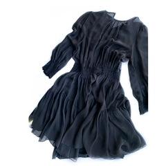 Черное шелковое платье