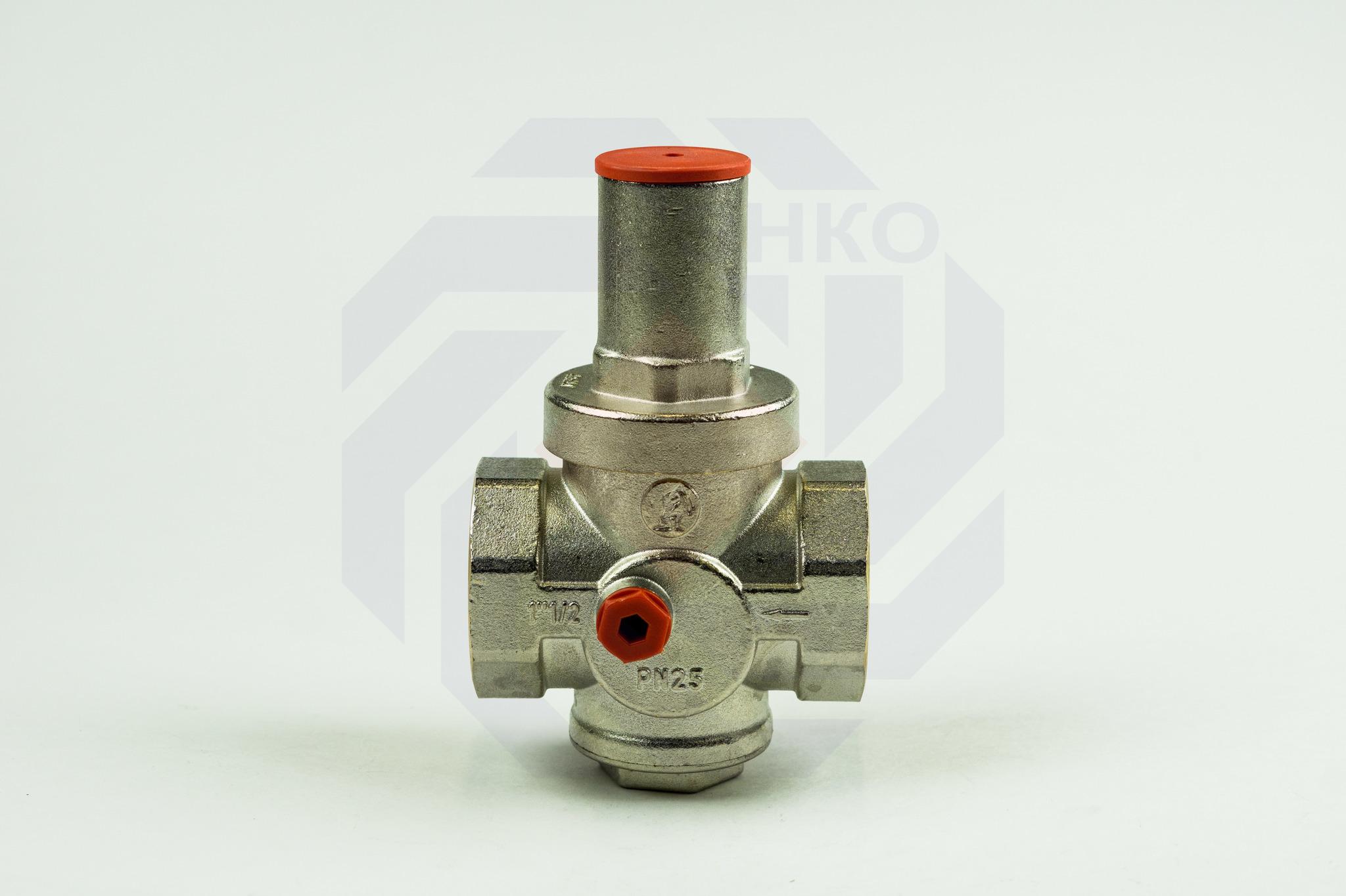 Редуктор давления GIACOMINI R153P 1,5-5 бар 1½