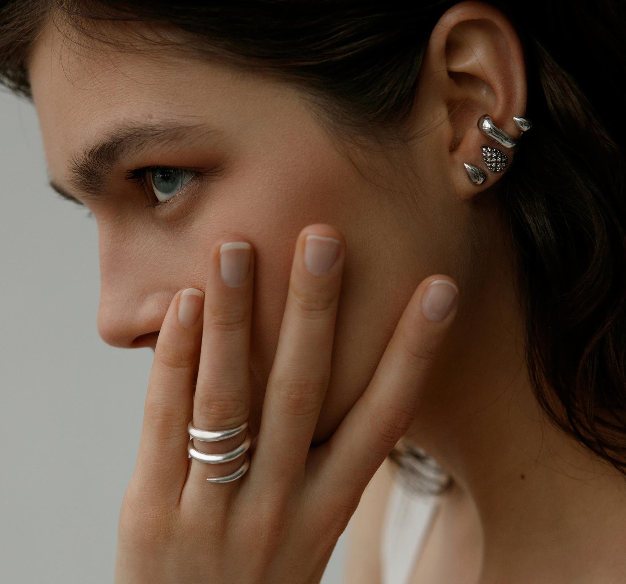 Открытое кольцо-коготь из серебра 925 пробы