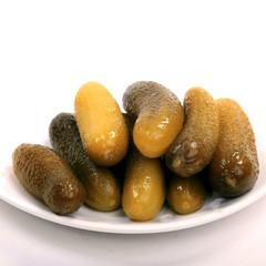 Огурцы бочковые соленые