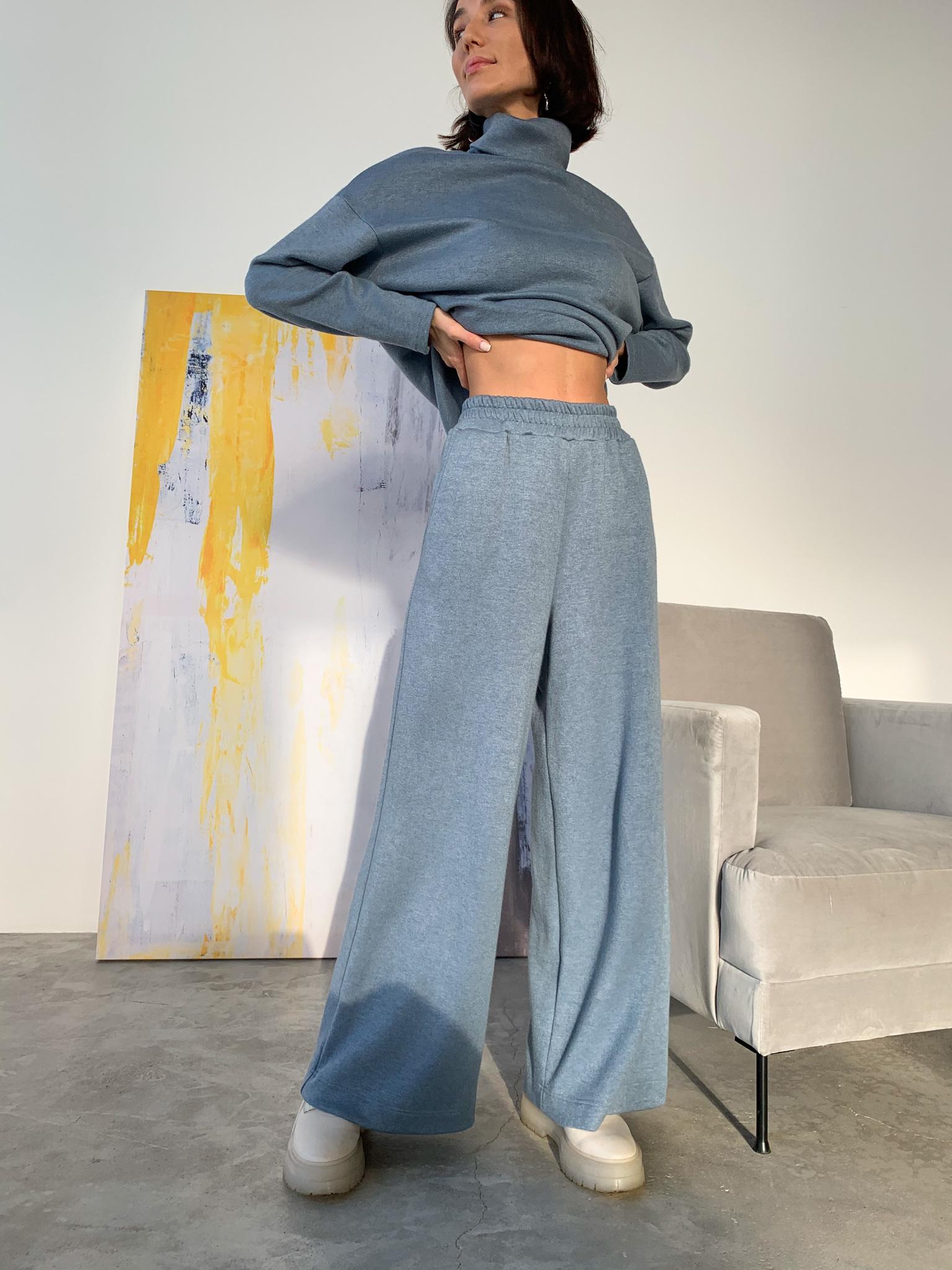Теплый костюм с широкими брюками (голубой)