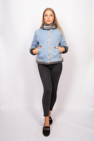 Джинсовая куртка с серым мехом купить