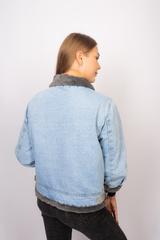 Джинсовая куртка с серым мехом оптом