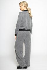 <p><span>Модный тренд текущего года. Брюки удобной посадки с карманами. Сзади по поясу на резинке..(Длины: 44р -105,46-48р-106,50-52р-107).)</span></p>