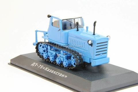 Tractor DT-75M Kazakhstan blue 1:43 Hachette #58