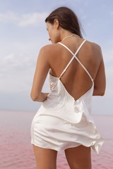 Платье короткое молочное Lilit