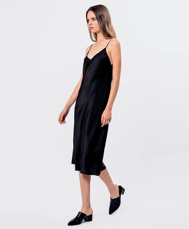 платье-комбинация-черного-цвета
