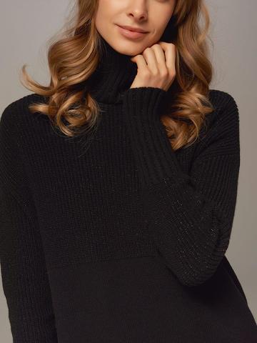 Женский свитер черного цвета с высоким горлом из шерсти и кашемира - фото 2