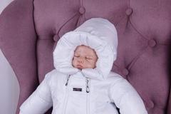 Зимний комбинезон для новорожденных (белый)