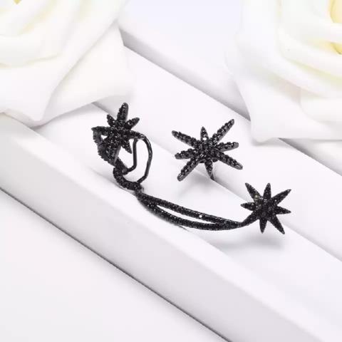 Кафф Meteorites Noires из черного серебра с цирконами, в стиле APM MONACO