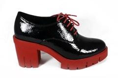 Лаковые черные ботильоны на красной подошве