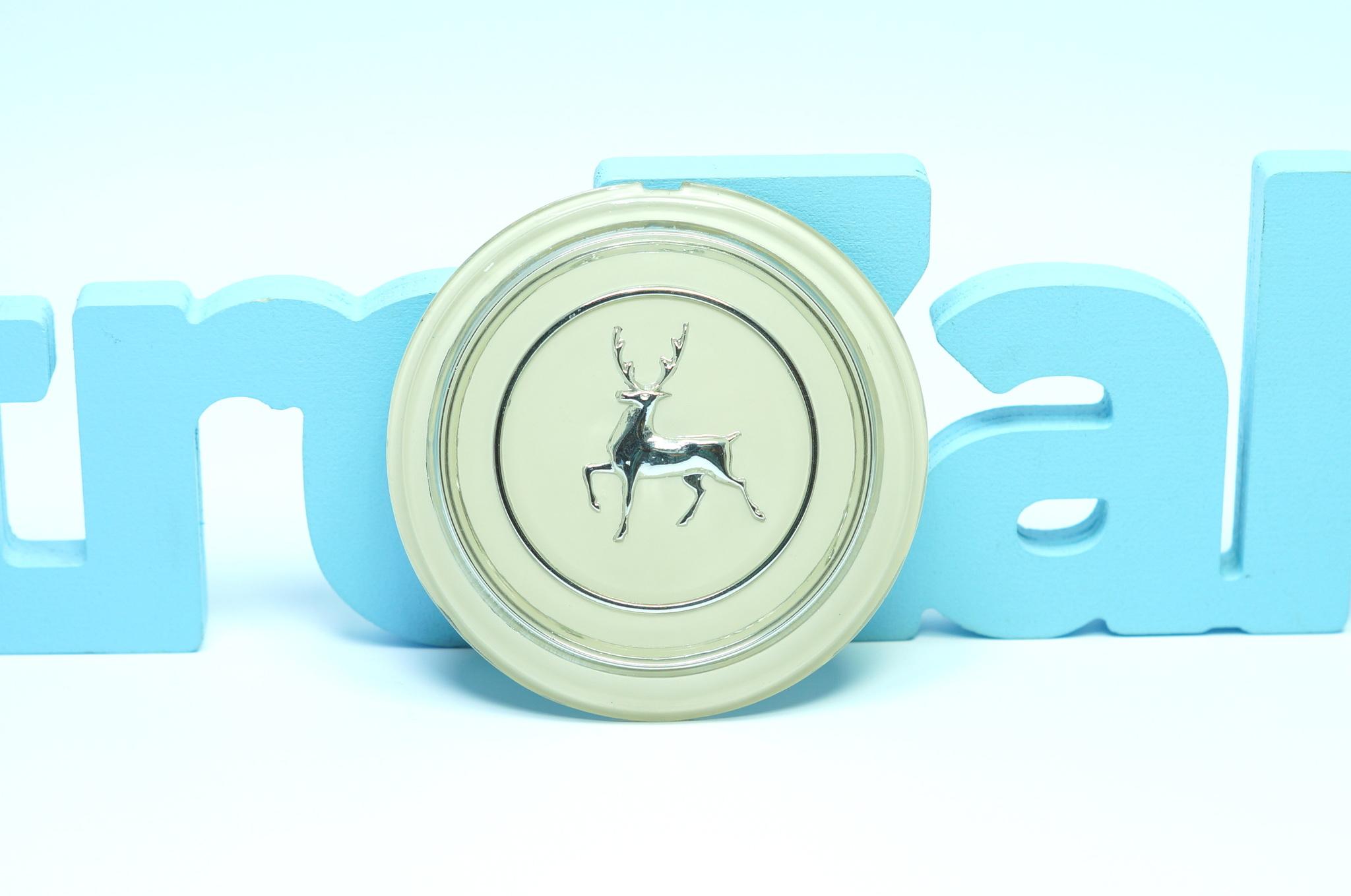 Эмблема рулевого колеса серебро Газ 21 2 серии