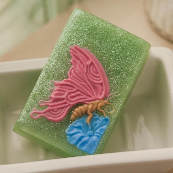 Пластиковая форма для мыла Бабочка на цветке на прямоугольнике
