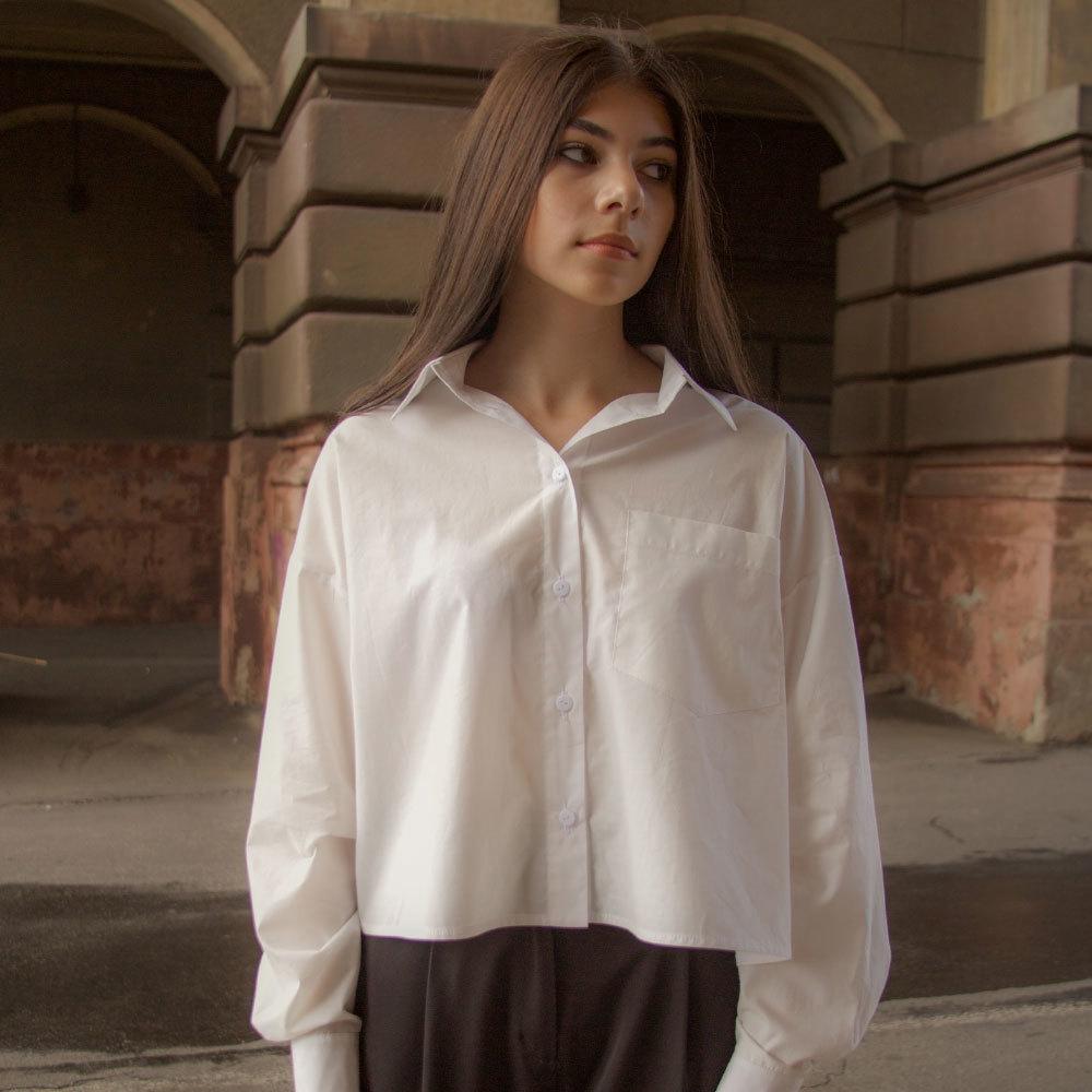 Підліткова сорочка для дівчинки в білому кольорі оверсайз
