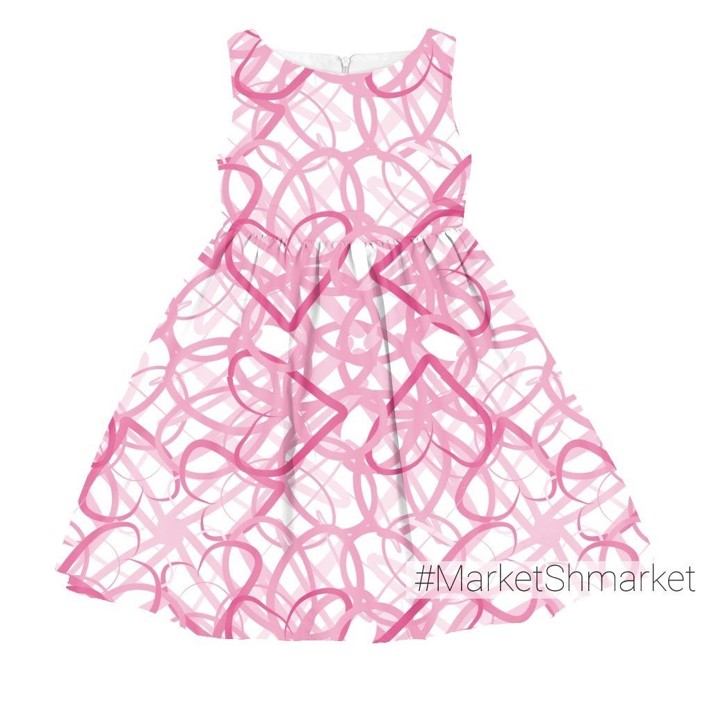 Розовые сердечки на белом фоне