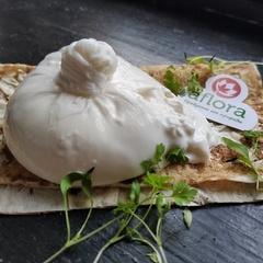 Сыр мягкий Буррата с трюфелем (Артизан) / 150 гр / РАСПРОДАЖА