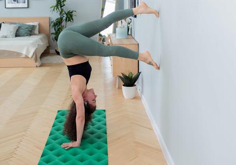 Легкий коврик для йоги Non slip Taiga  183*61*0,6 см