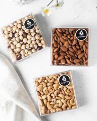 Набор жареных орехов HoneyForYou в подарочном оформлении (миндаль, кешью, фундук)