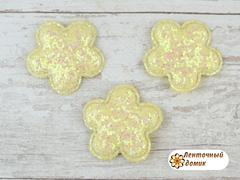 Мягкий декор цветочки конфетные кремовые