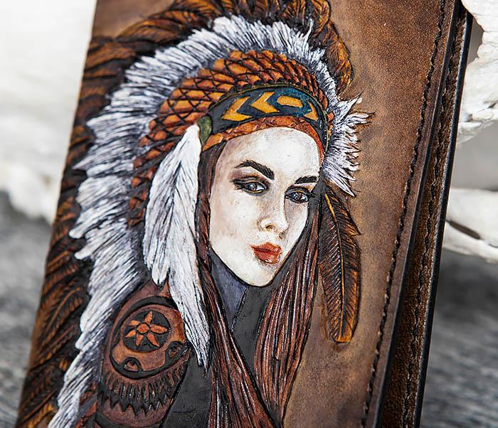 BC160 Кожаная обложка «Индианка» с ручным тиснением и раскрасом фото 03