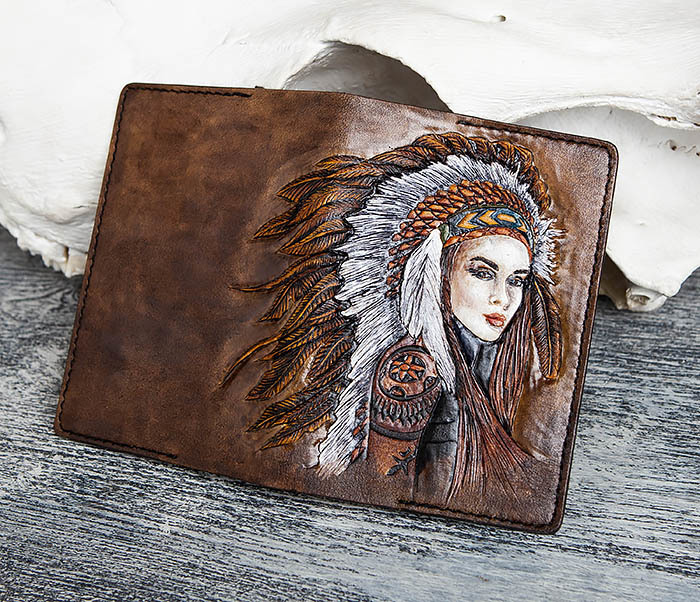 BC160 Кожаная обложка «Индианка» с ручным тиснением и раскрасом фото 06