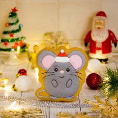 Мышка №1 в шапочке