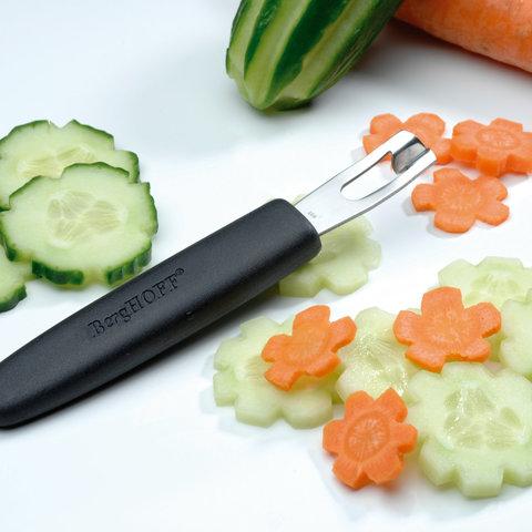 Набор 8пр ножей для фигурной вырезки в складной сумке