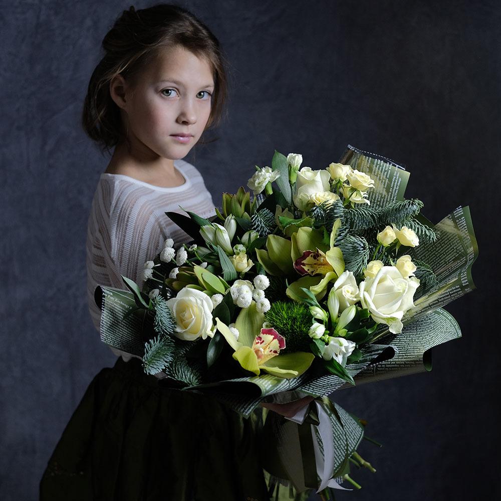 Заказать зимний новогодний букет с елкой и орхидеями Пермь купить доставка на дом