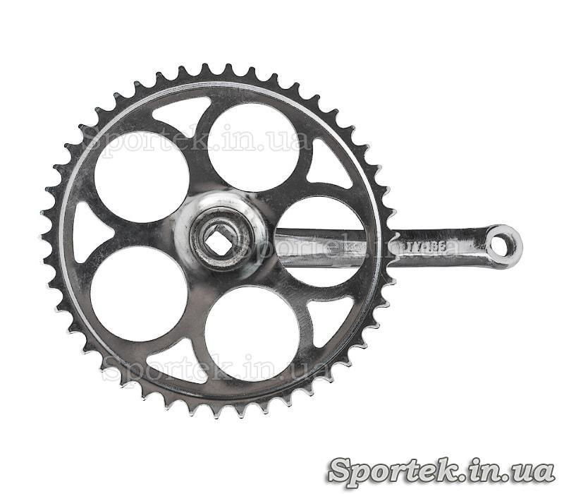 Вид зі зворотного боку на шатуни для одношвидкісного велосипеда під квадрат, зірка на 46 зубів, 165 мм