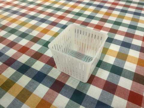 Пластиковая квадратная форма для свежего и рассольного сыра, Италия