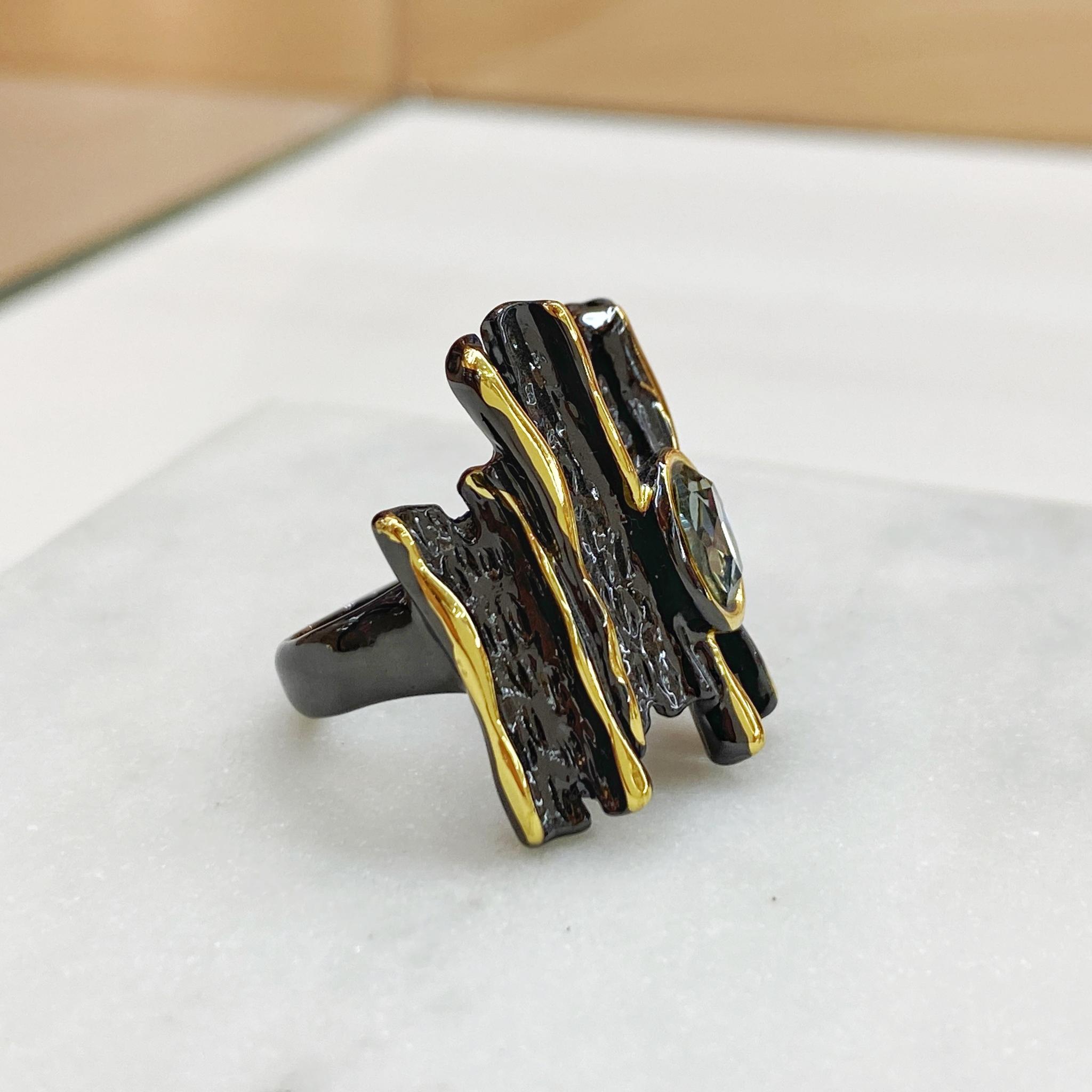 Кольцо Vi Экзотика серый золотой