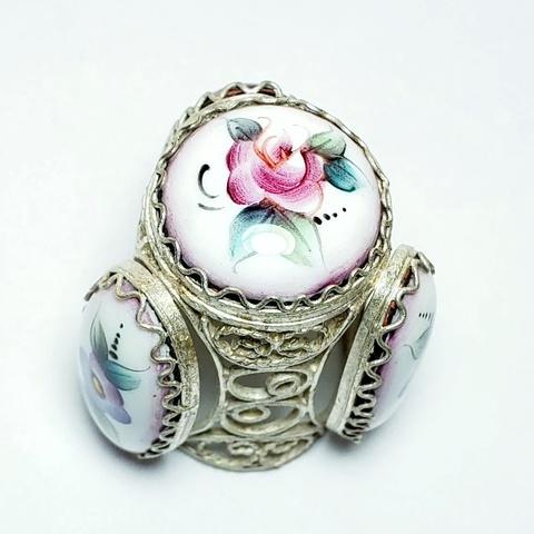 Сувенирный наперсток с ростовской финифтью. Цветок на розовом фоне. Овальная эмаль. Ручная роспись, серебрение.