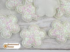 Мягкий декор цветочки конфетные белые с переливом