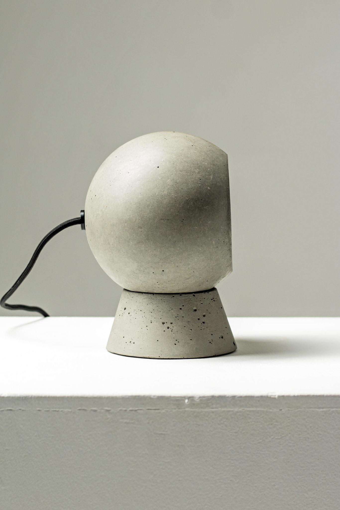 Настольный светильник из бетона LOONA - вид 4