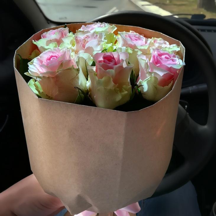 Купить недорогой букет розовых роз в Перми