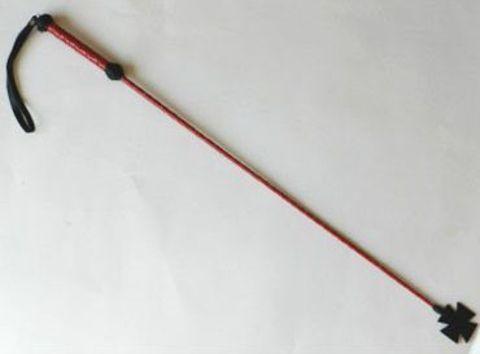 Короткий плетеный стек с наконечником-крестом и красной рукоятью - 70 см.