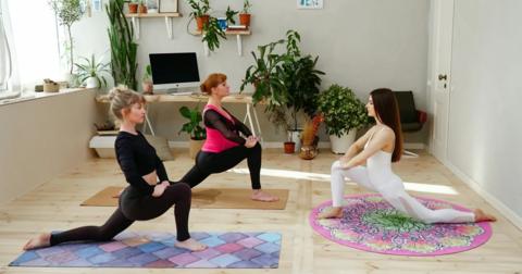 Коврик для йоги и медитации Лотос из замши и каучука 140*140 см