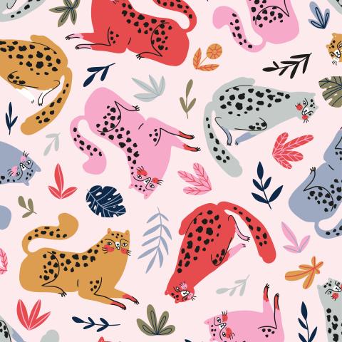 Леопардовые котики в листве
