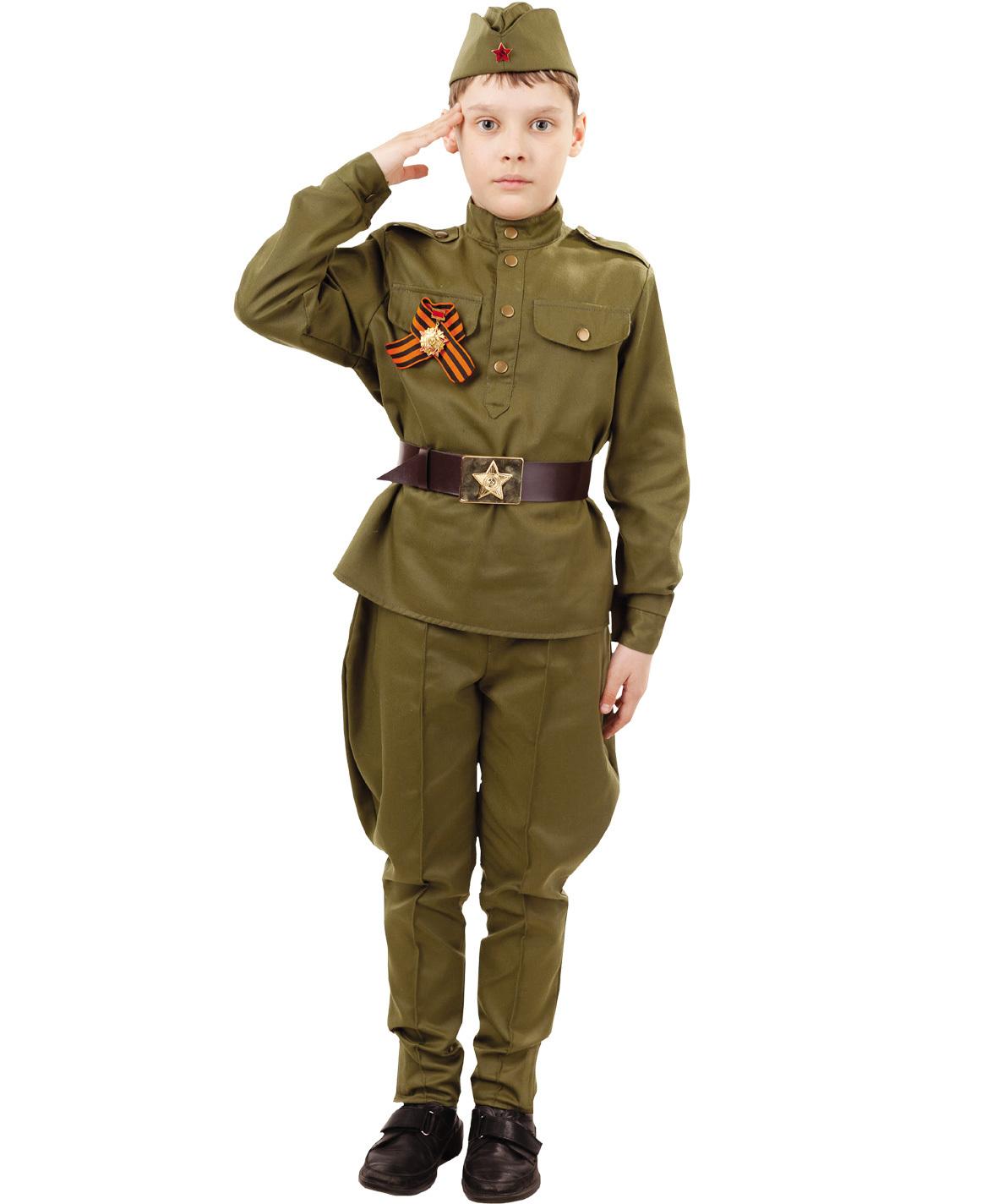 Военная форма Солдат в галифе и орденом