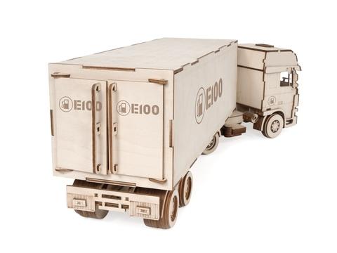 Брендирование, нанесение гравировки и фирменного знака на модель грузовик с прицепом фура