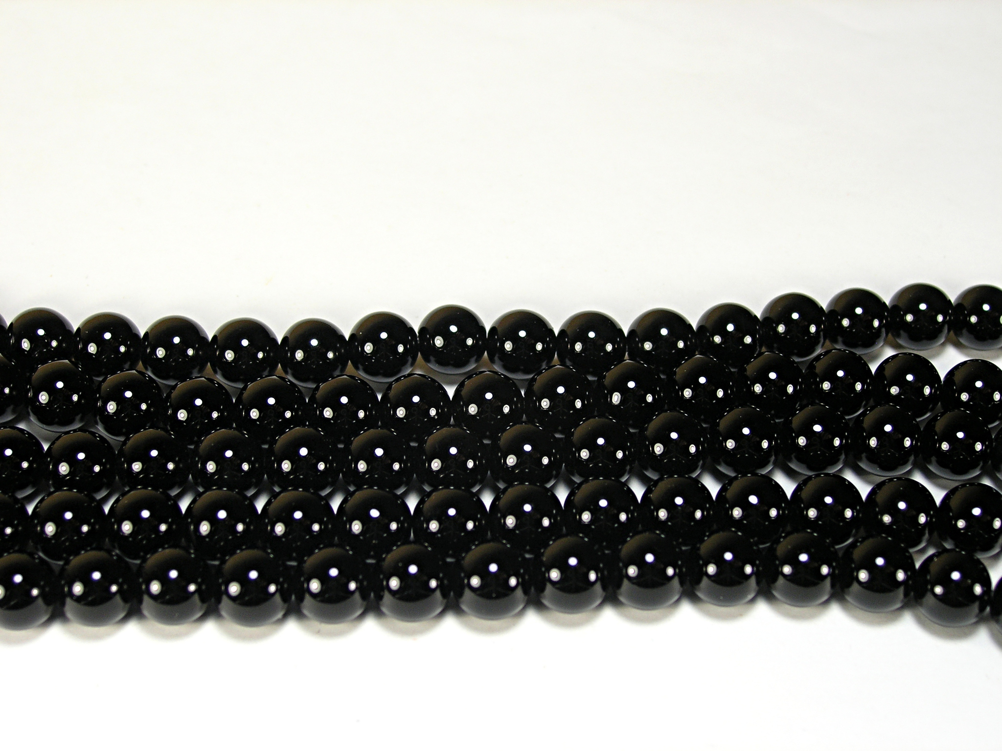 Нити бусин из агата черного, шар гладкий 8мм (оптом)