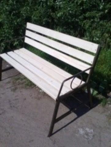 Скамейка со спинкой дер.+мет. (разборная)