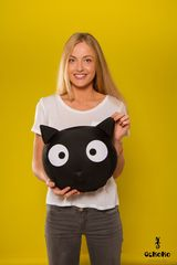 Подушка декоративная Gekoko «Трансформер-подголовник Черный кот» 1