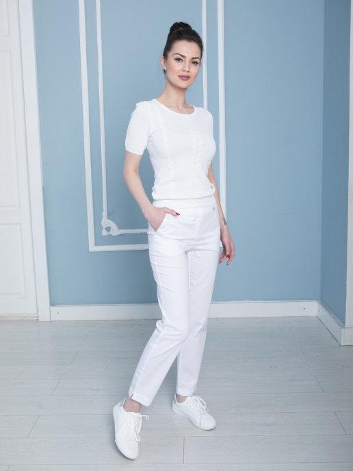 Женские медицинские брюки белого цвета