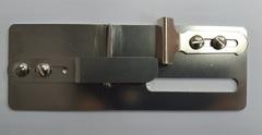 Фото: Окантователь регулируемый для подгиба ткани вниз на распошивальной машине KHF46