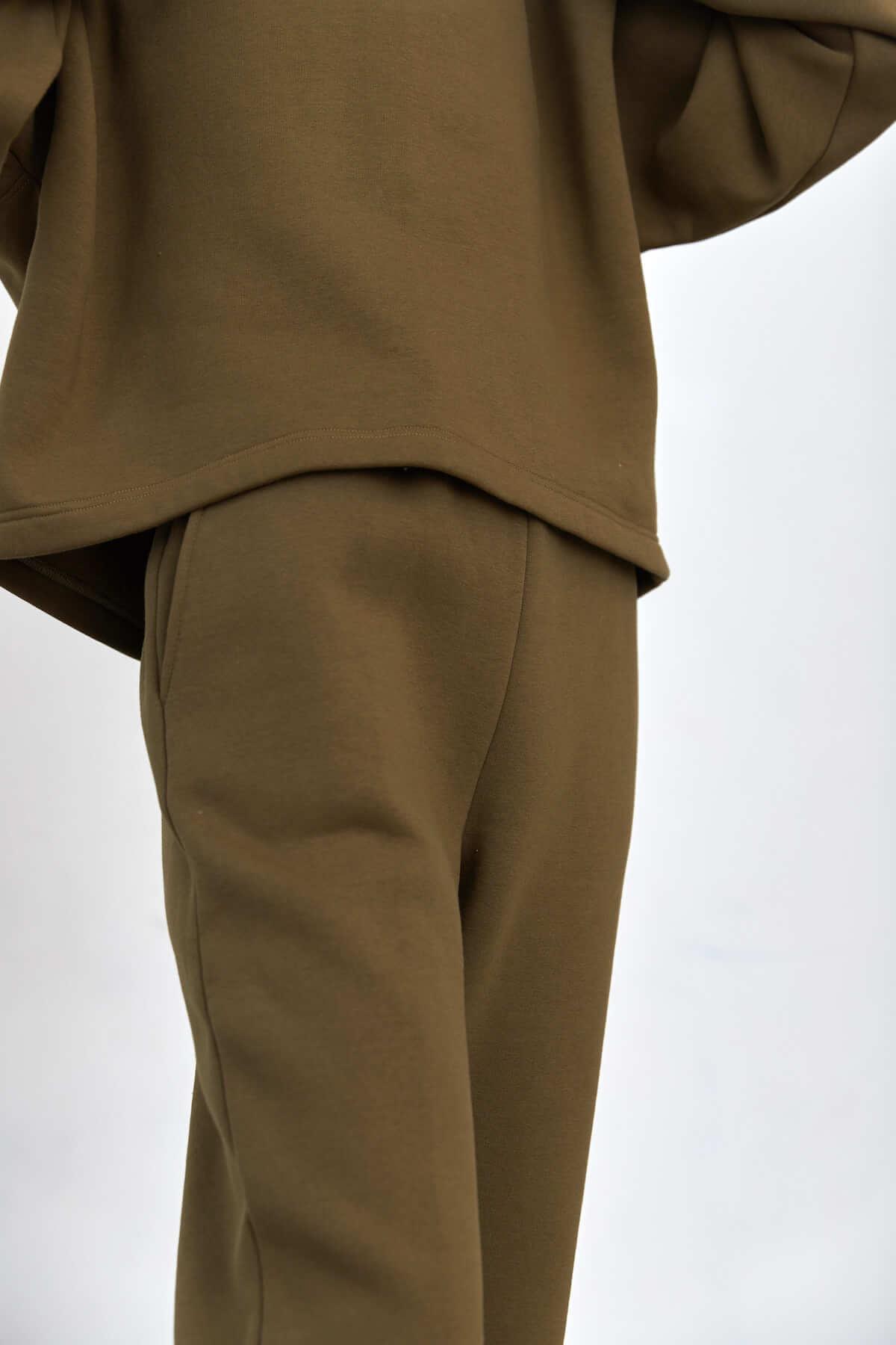 Брюки-джогеры из мягкого футера, олива