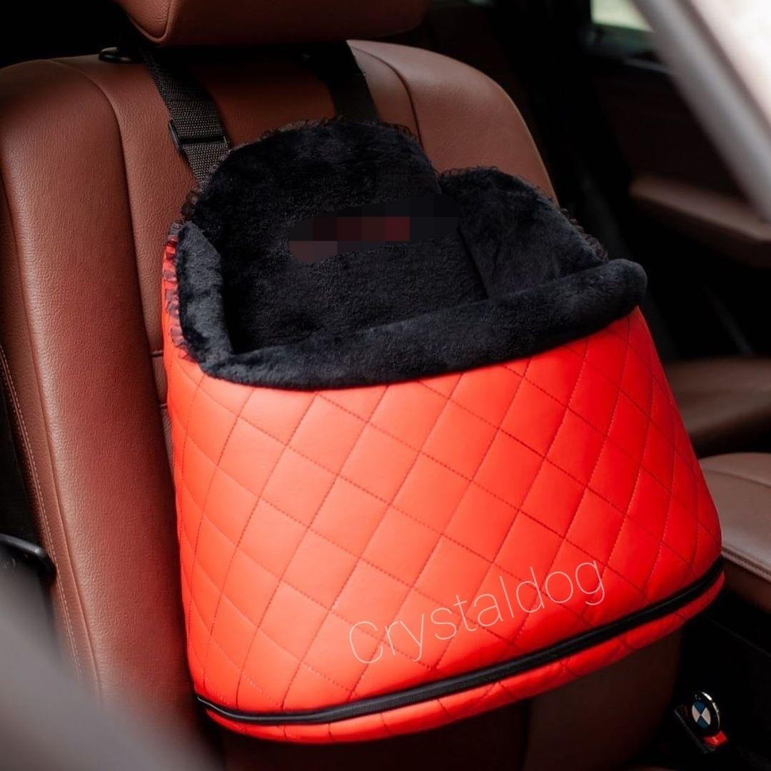 Красное подвесное автокресло для маленьких собак