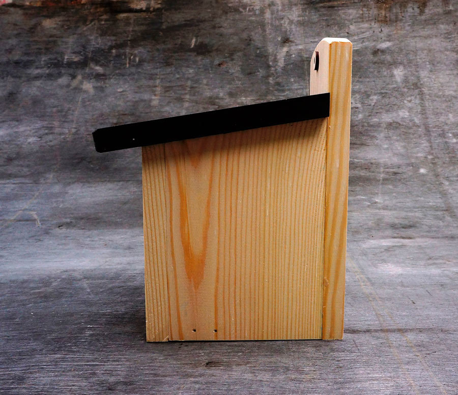 Домик для воробьёв из дерева